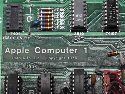 a_working_apple-1_personal_computer_palo_alto_1976_d6082916_003g