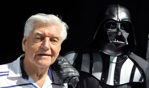 skynews-david-prowse-darth-vader_5188329.jpg